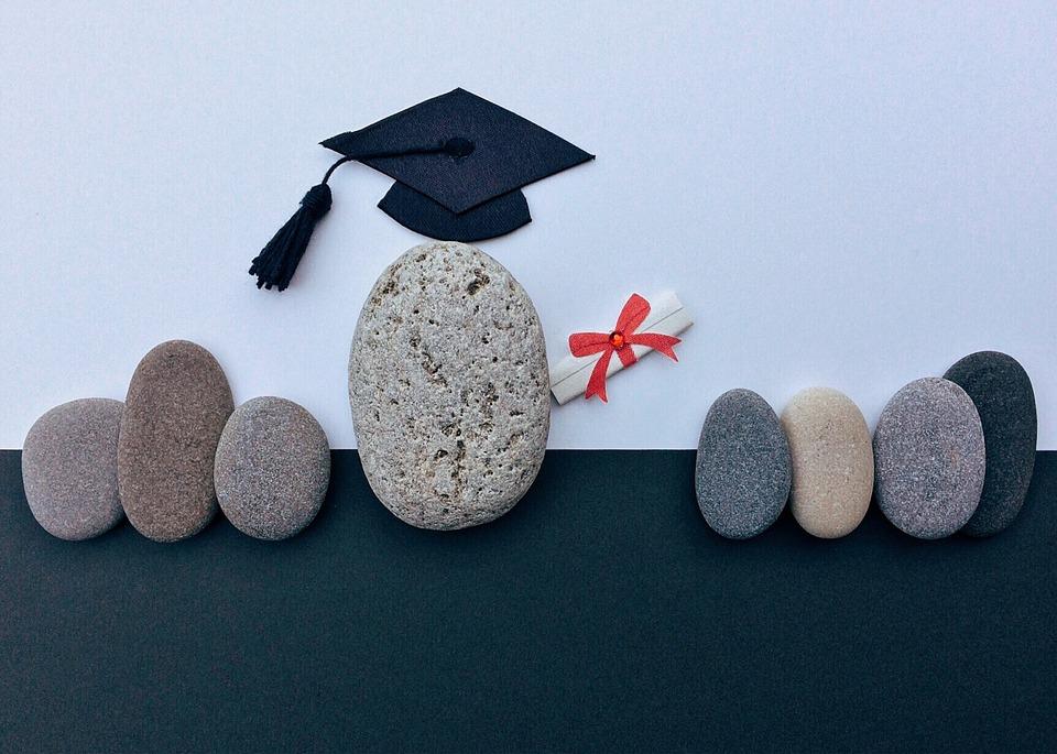 graduation-1449488_960_720.jpg