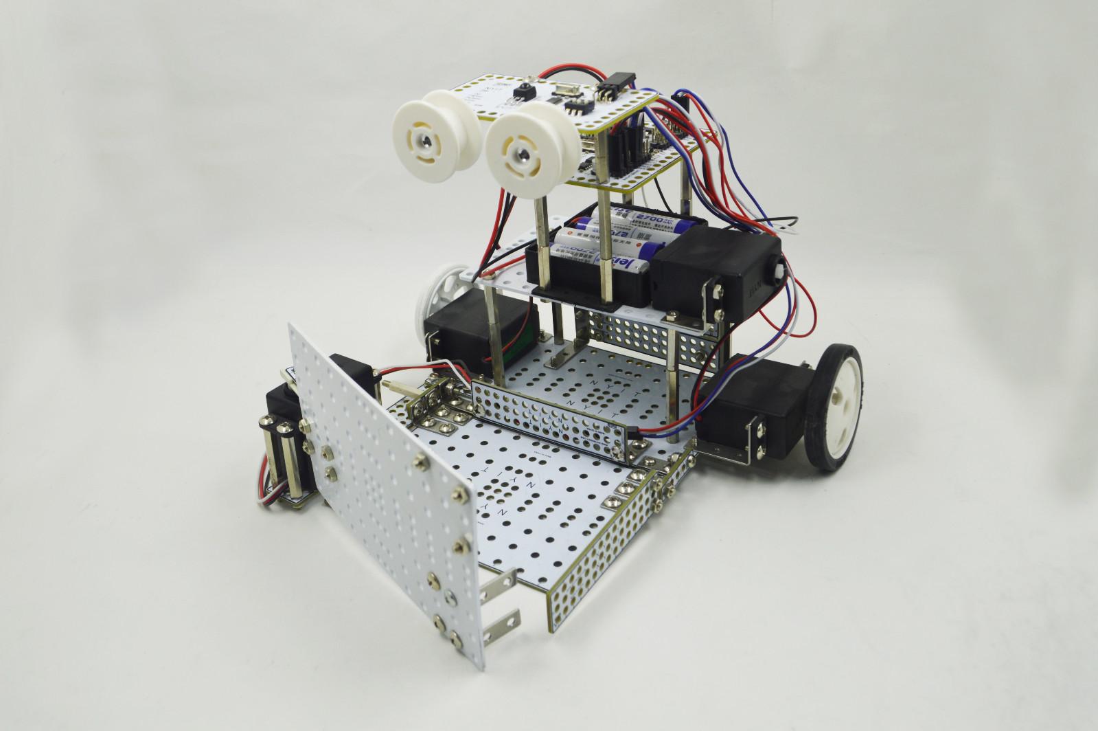 瓦力工厂自主研发机器人设备