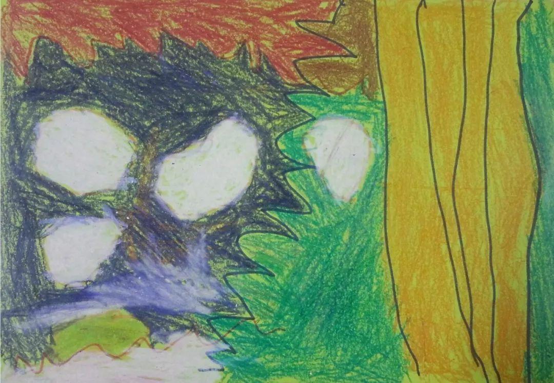 小孩画画衣服脏了