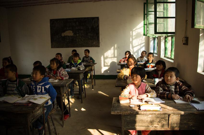 教育部:高度关注贫困地区、农村