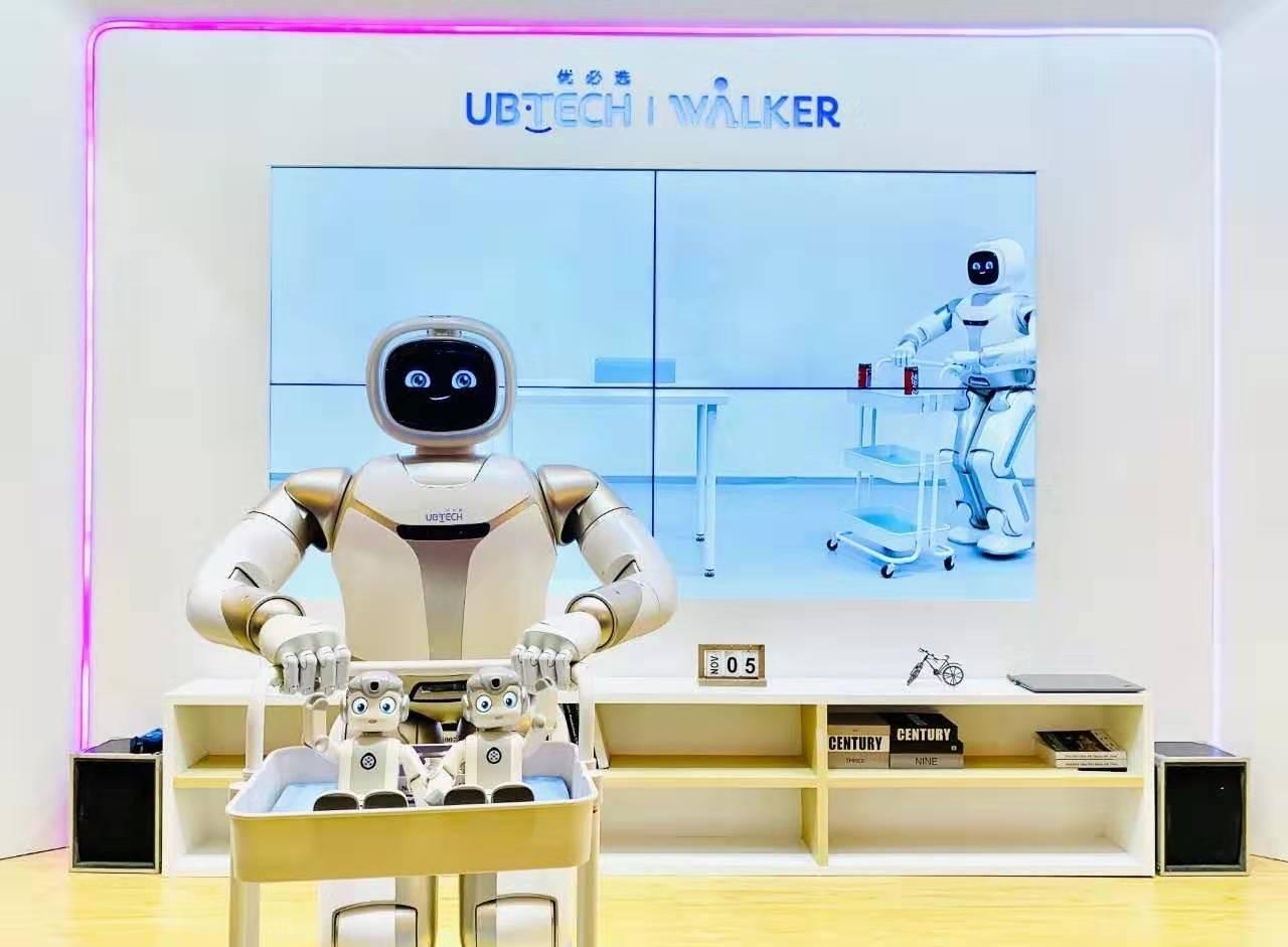 中国企业向阿联酋出口25亿元AI教育项目,系史上最大订单