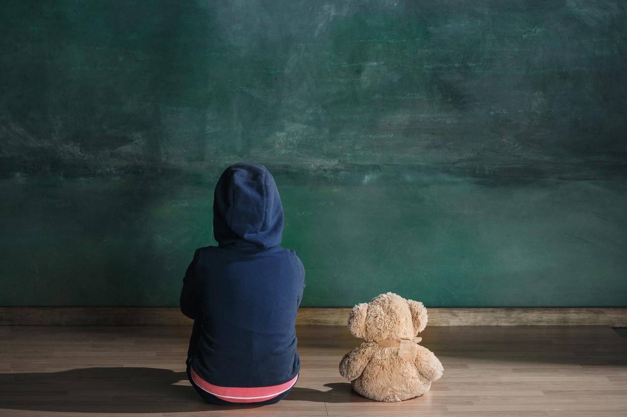 300万孤独症儿童服务率不到2%,家长一年换多个机构康复却无效果