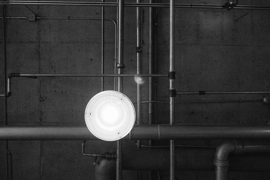black-and-white-industry-factory-lamp-large.jpg