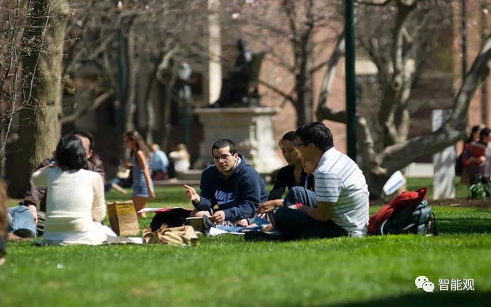 Coursera推出首个常春藤盟校学位,学费仅为传统学费的三分之一